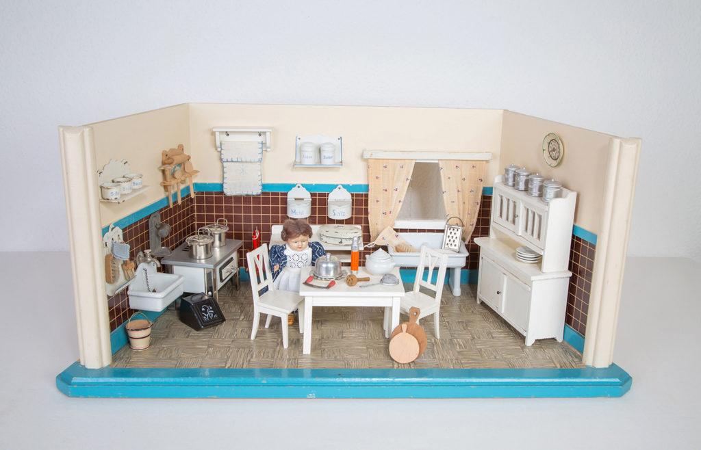 Puppenküche aus den 30er Jahren